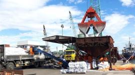 Giá gạo xuất khẩu Việt Nam rời đỉnh nhiều tháng vì nhu cầu yếu từ Philippines, Trung Quốc